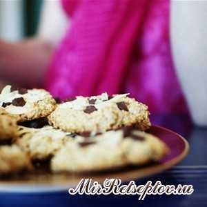 Овсяное печенье с шоколадом и миндалем