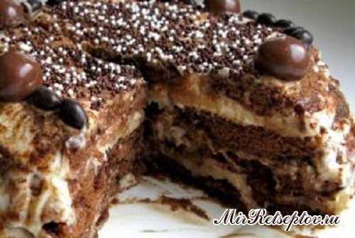 Шоколадный торт с бананово-сметанным кремом