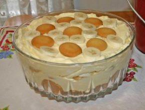 Торт-десерт из мороженого и бананов