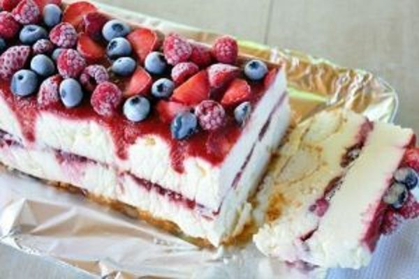 Торт-мороженое с фруктами