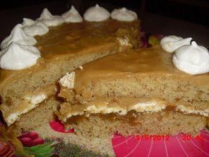 Торт с грецкими орехами и безе
