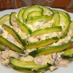 130829212936-141026134525-p-o-salat-s-vetchinoj-gribami-i-ogurcami
