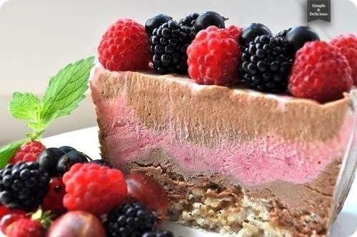 Мраморный торт-мороженое с ореховым безе
