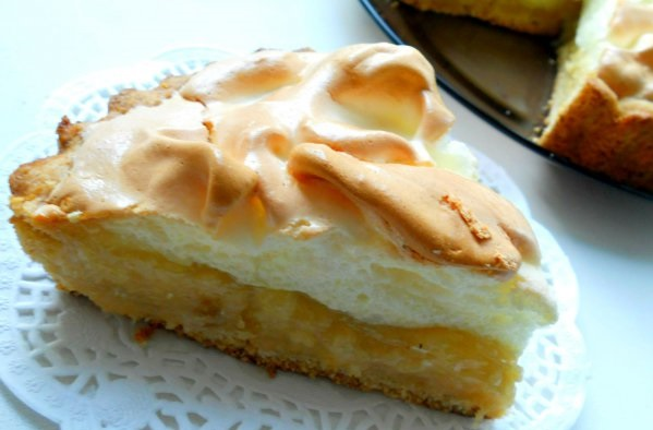 Персиковый пирог с безе