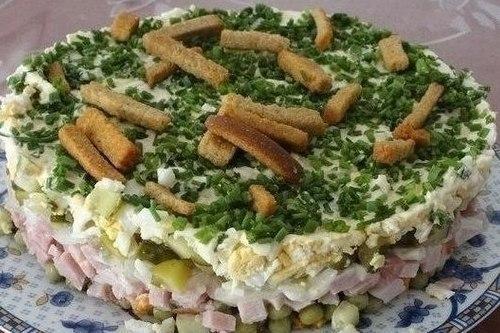 Оригинальный салат «На траве дрова»