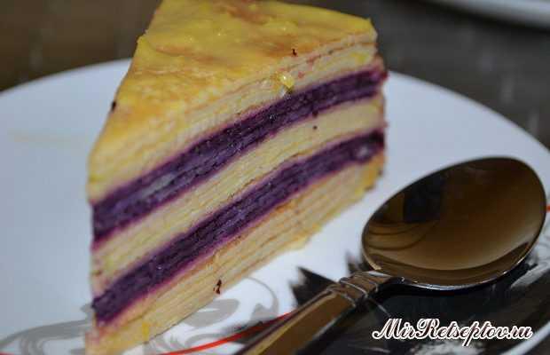 Блинный торт с лимонным курдом и черникой