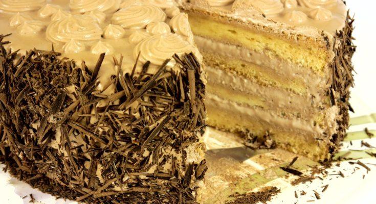 """Торт """"Нежность"""" со взбитыми сливками на шифоновом бисквите"""