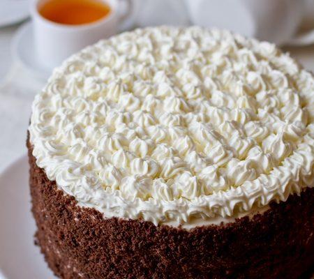 cheremuhovyi-tort-so-smetannym-kremom