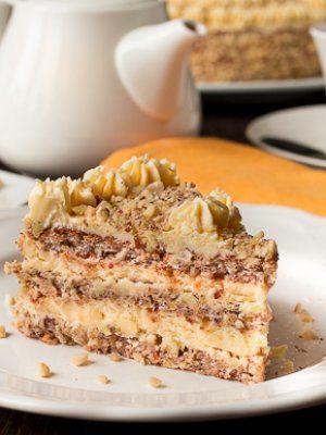 Ореховый торт с масляным кремом