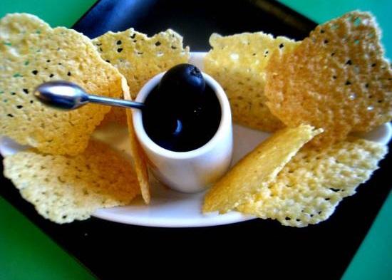 Сырные чипсы
