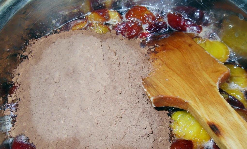 """Варенье """"Шоколадная слива"""" с лесными орехами"""