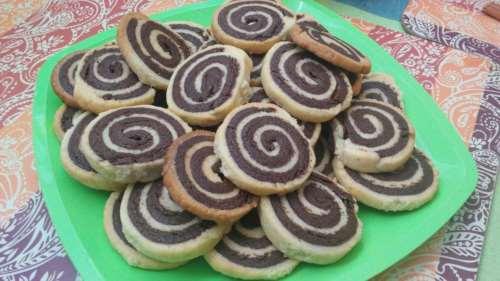 Песочное шоколадное печенье Спиральки