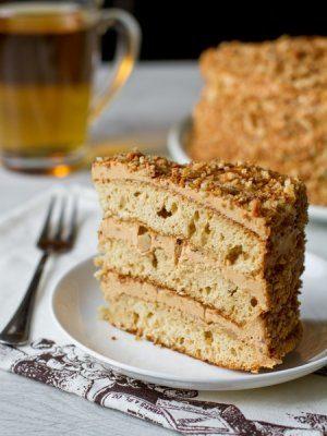 Медовый торт с грецкими орехами