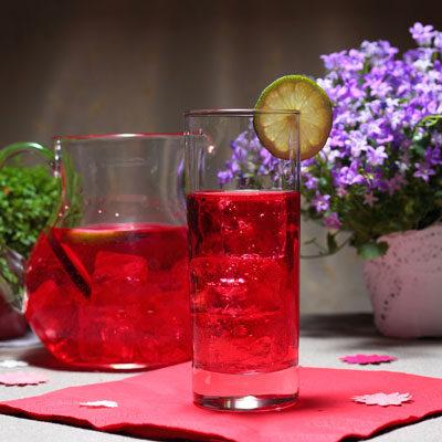 Напиток с гранатом и клюквой «Утренняя роза»