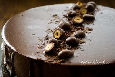 Брауни с бананами и шоколадным муссом