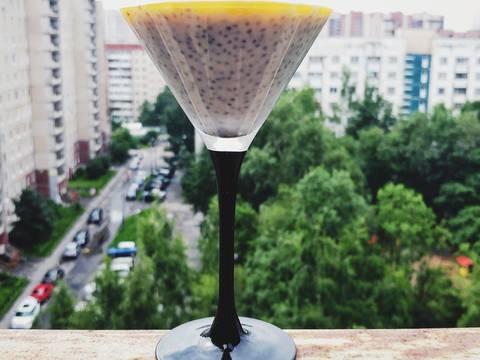 Десерт из манго, семена чиа, кокосовой пасты