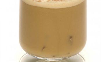 Кофейный коктейль с ликерами Бренди и Калуа — колониальный рецепт