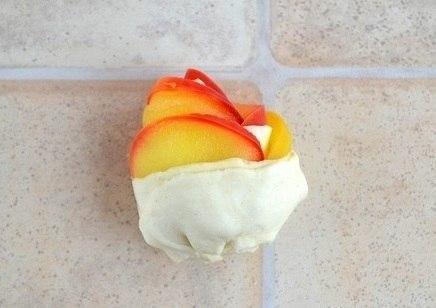 Слойки с яблоками «Розочки»