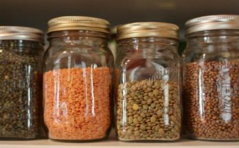 Как спасти продукты от пищевой моли