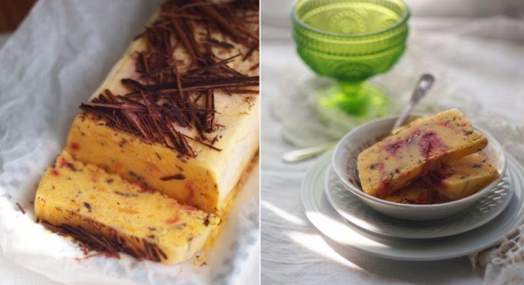 Семифредо с манго, малиной и шоколадной стружкой
