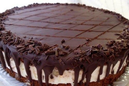 Шоколадный торт «Бонжур» с банановым суфле
