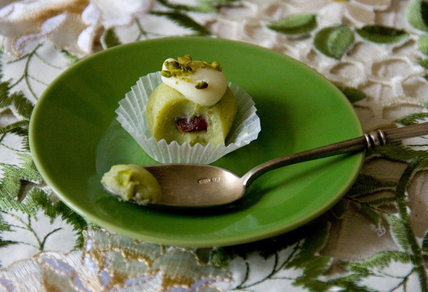 Трюфели из белого шоколада с фисташками (Фисташковые трюфели)
