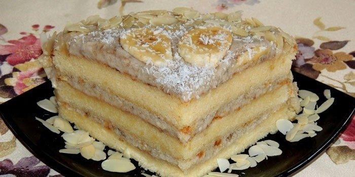 Банановый торт со сгущенкой