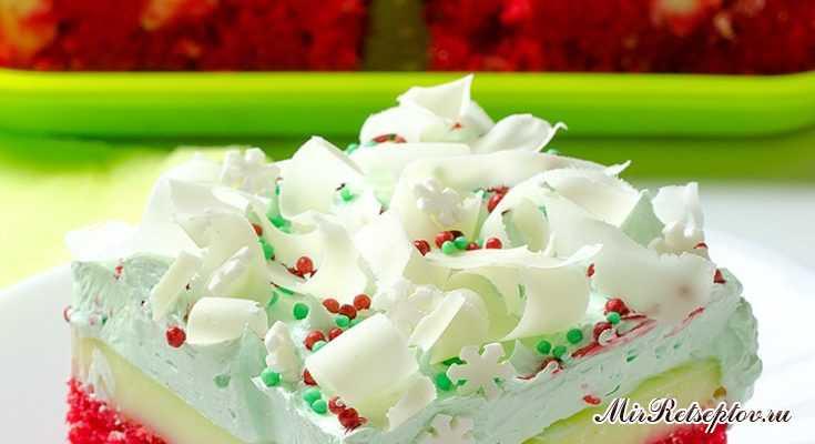 Рождественский красный бархатный торт