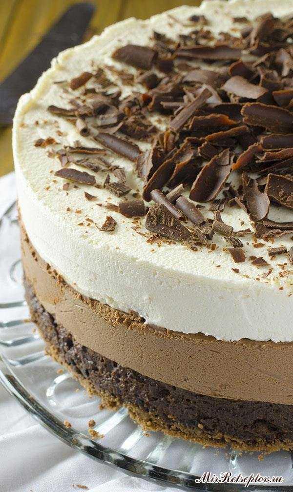 Тройной шоколадный торт с муссом