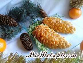 """Новогодний салат """"Сосновые шишки"""" с ананасом"""