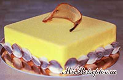 Муссовый грушевый торт с карамелью