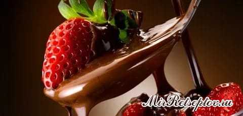 Королевский шоколадный торт с клубникой – изысканный рецепт